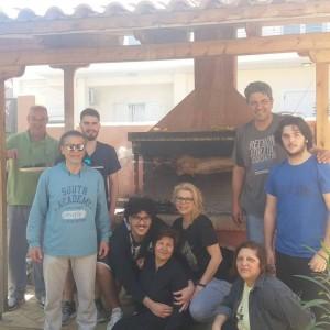 Γιάννης και Αντώνης Γεωργουσόπουλος μαζί με Κώστα και Ραφαήλ Σκεμπέ και τις οικογένειες τους!